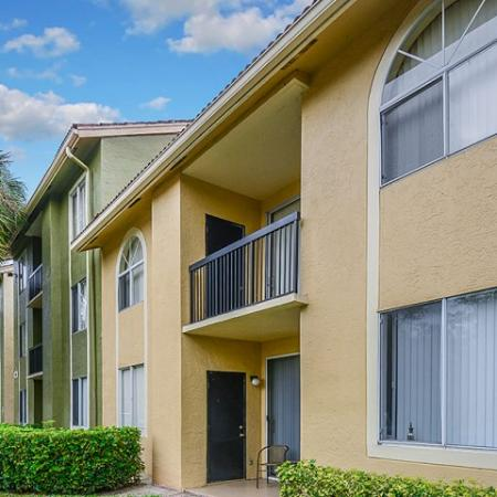 Coconut Creek apartments with washer and dryer