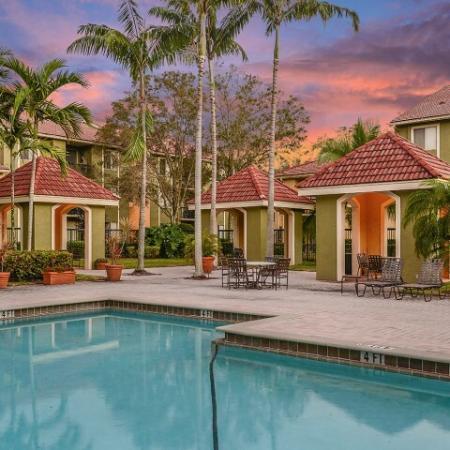 Luxury apartments in Coconut Creek