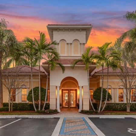 Floresta apartments in Jupiter FL