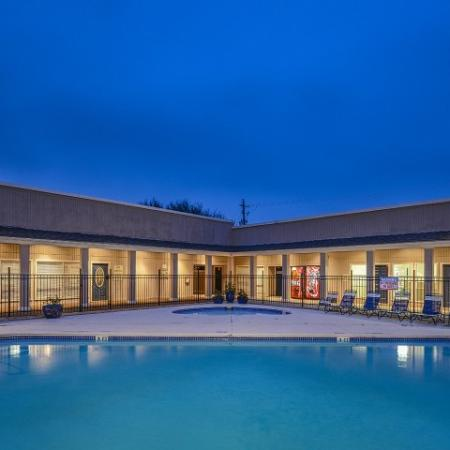 Bay Club apartments swimming pool