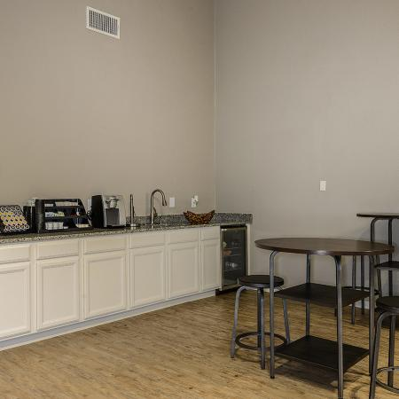 Candlewood apartments with onsite maintenance