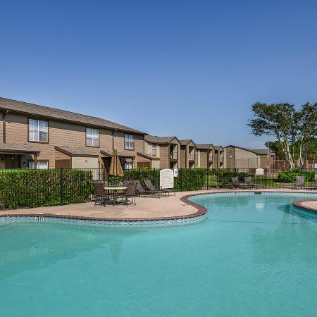 Candlewood apartments with amenities