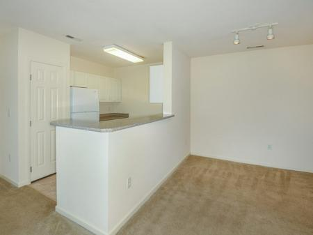 Apartments with shuttle to Quincy T