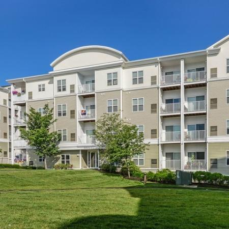 Endicott Green apartments in Danvers MA