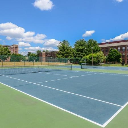 Apartments with tennis court in Enfield CT