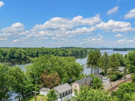 Bigelow Commons | top rated rentals