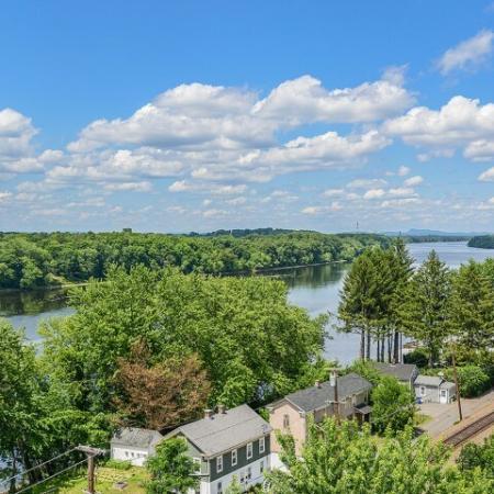 Bigelow Commons   top rated rentals