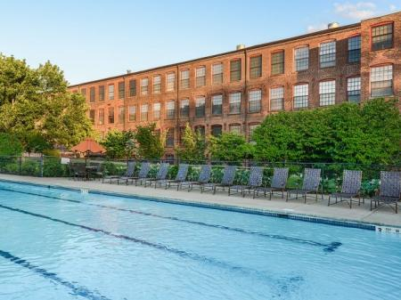 Bigelow Commons | apartments with pool