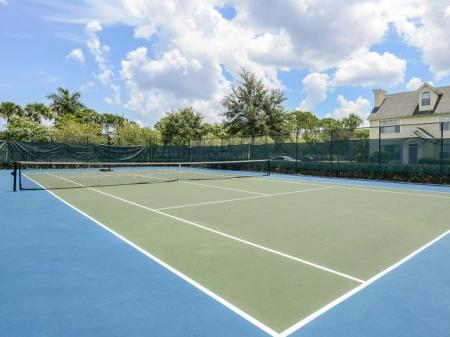 Tennis court at Bay Breeze apartments