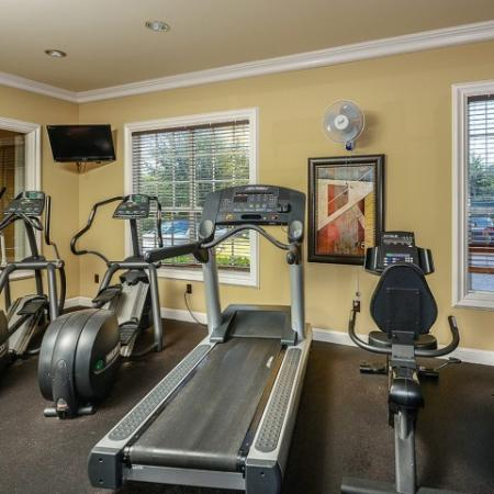 Bay Breeze | apartment gym
