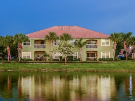 Bay Breeze Villas | spacious Fort Myers apartments