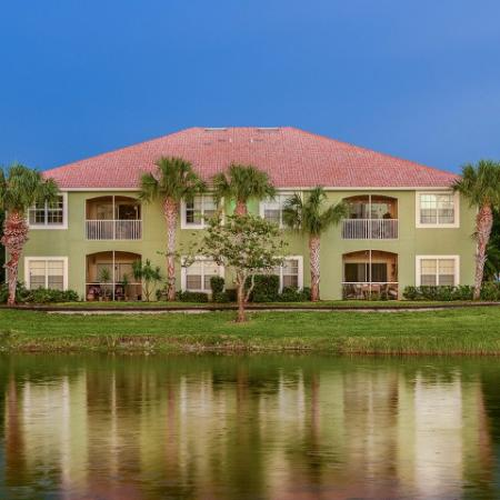 Bay Breeze Villas | spacious Fort Myers apartments