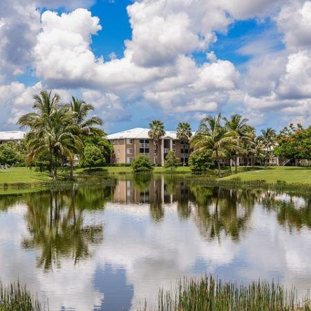 Water views | Apartments with lake view | Fort Myers FL