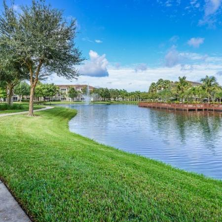 Walking trail | Jogging trail | Yacht Club at Heritage Harbor
