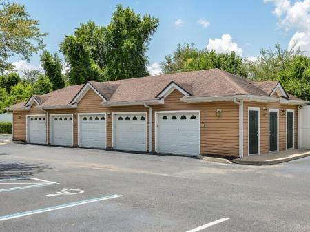 Orange City FL apartments with garages