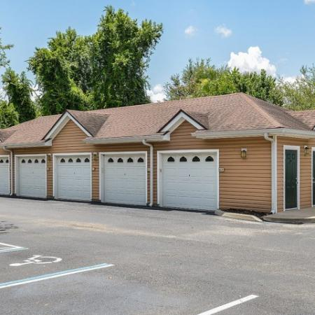 Orange City FL apartments with garages