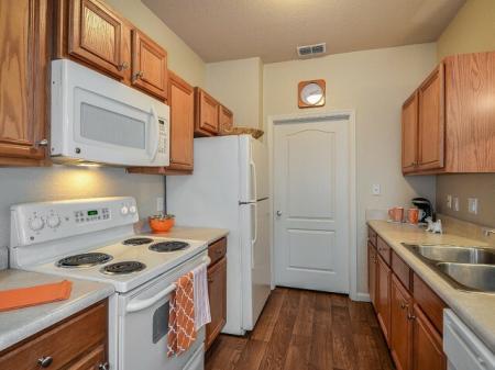 4 bedroom apartments in Orange City