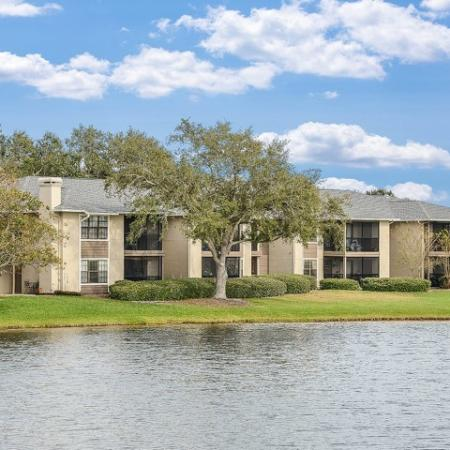 Apartments with a water view | Plantation Club at Suntree | Melbourne FL