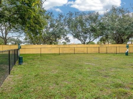 Plantation FL apartments with dog park