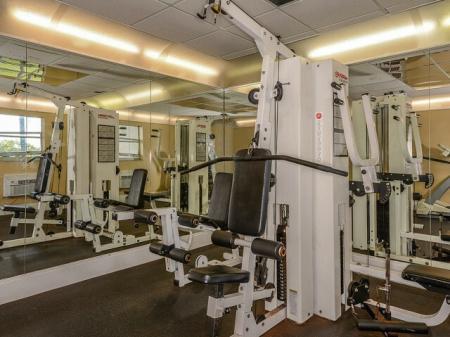 Plantation FL apartment gym