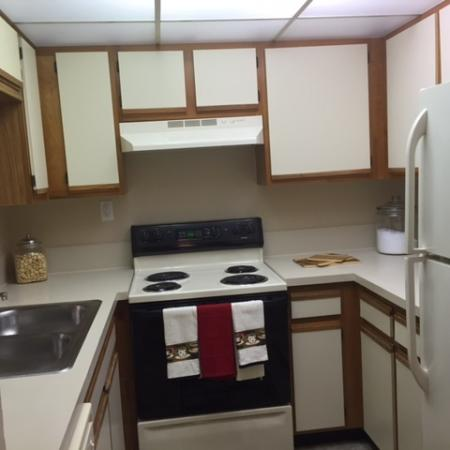 Lakeside at Greenboro apartment kitchen