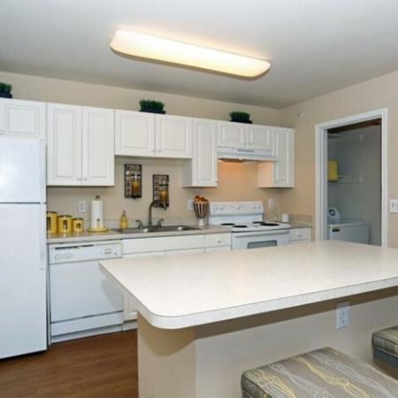 Kitchen with electric appliances | Austin apartment
