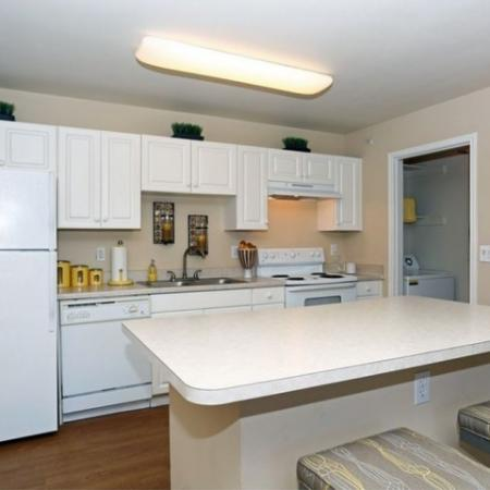 Kitchen with electric appliances | Austin apartment