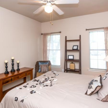 Apartment bedroom with ceiling fan | Sedona Springs rentals