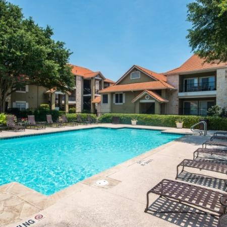 Swimming pool   Madison at Scofield Farms apartments