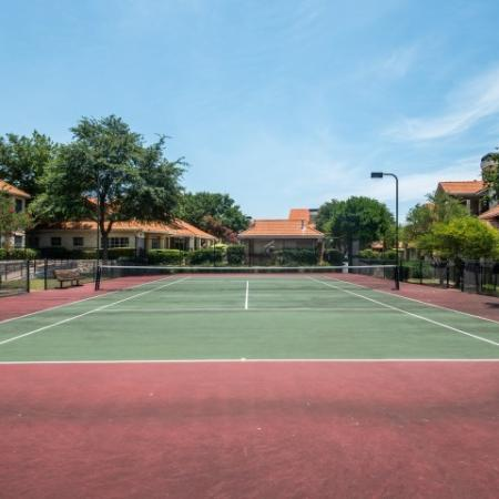 Community tennis courts | Austin TX apartments | Madison at Scofield Farms
