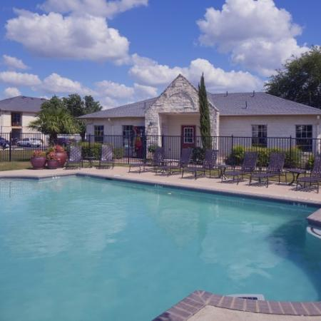 Cedar Park apartment complex with Pool
