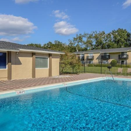 Apartment community pool | Mission Grove | Tallahassee