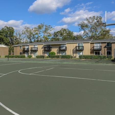 Basketball court | Mission Grove apartments | Tallahassee FL