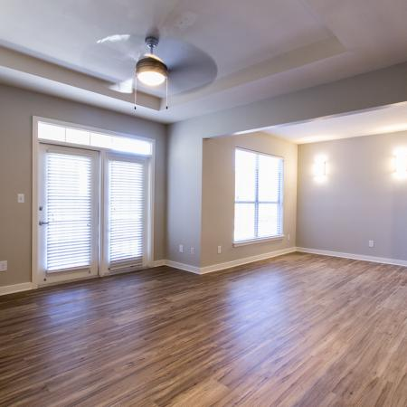 Apartment with hardwood flooring | south Austin TX rentals