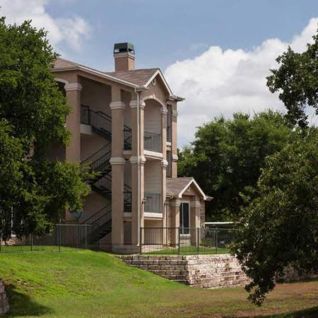 Apartment home exterior | The Park at Monterey Oaks