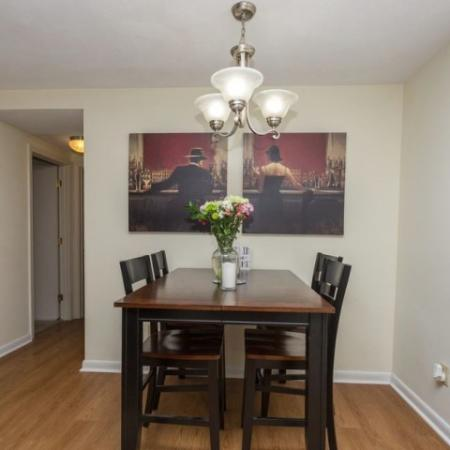 Dining room | 2 bedroom apartment in Tatnuck Arms