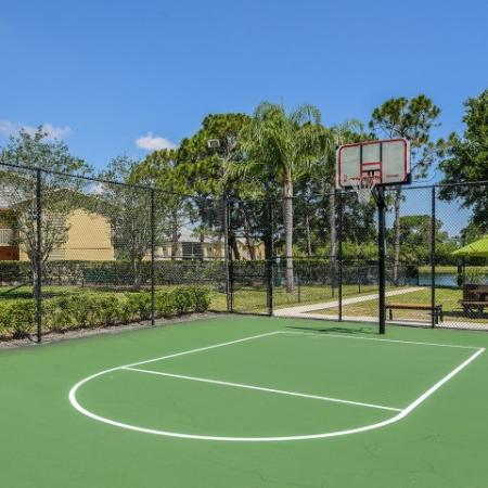 Apartment community basketball court | Lakeside at Greenboro