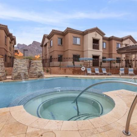Community pool and spa | Oro Valley apartments