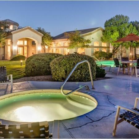Hot tub | Resident amenities at Links at High Resort