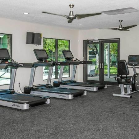 Fitness center in Jupiter Isle apartments