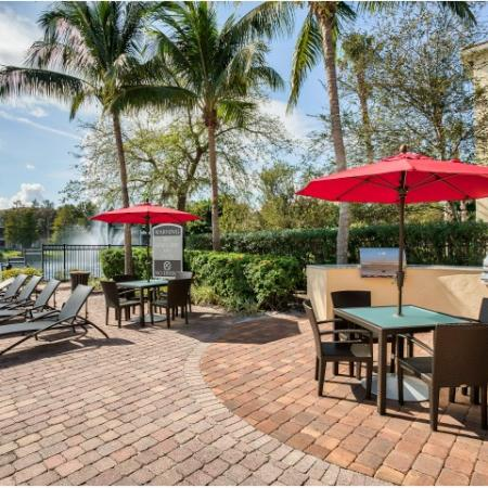 Picnic tables | Apartment amenities | yacht club at Heritage Harbor