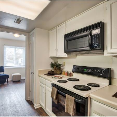 Kitchen with built-in microwave | 1 bedroom apartment | Randolph Park