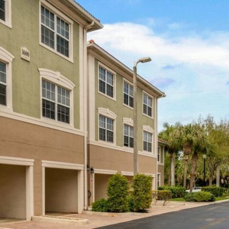 Jupiter FL apartments that allow pets
