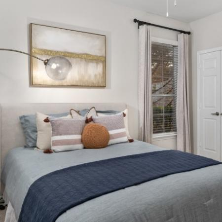 1, 2, and 3 bedroom apartments | Lodge at Lakeline
