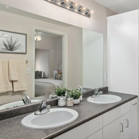 Master bathroom | Lodge at Lakeline apartment community