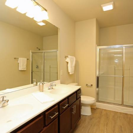 The Woodlands ApartmentsBathroom