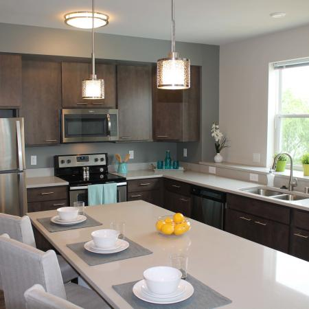 Modern Kitchen | Apartment Homes In Madison | 22 Slate