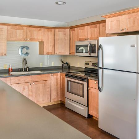Modern Kitchen | Apartments for Rent in Green Bay | Creekwood Apartments