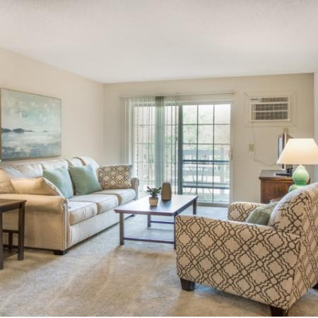 Elegant Living Room   Apartments for rent in Kenosha, WI   Riverwood Apartments