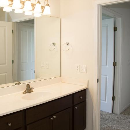 Spacious Bathroom   Fitchburg WI Apartment For Rent  